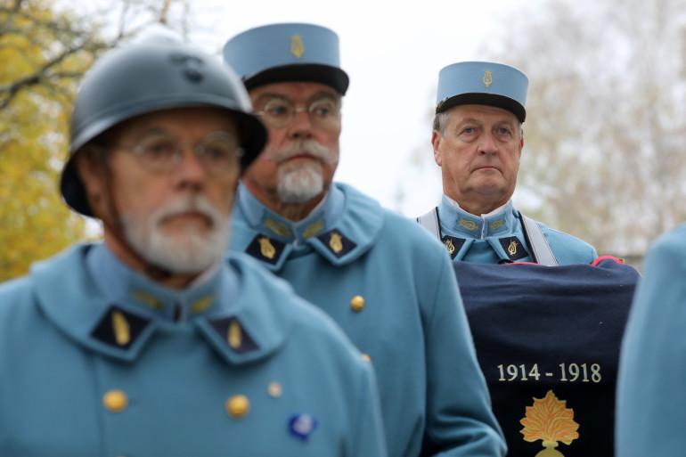 Des figurants en uniforme historique participent à la commémoration au monument du souvenir de Morhange, le 5 novembre 2018.