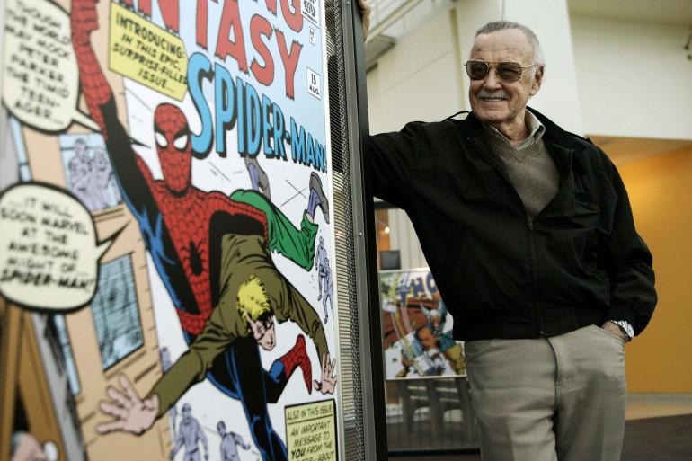 """Stan Lee à l'exposition """"Marvel Super Heroes Science"""" au California Science Center de Los Angeles, en 2006"""