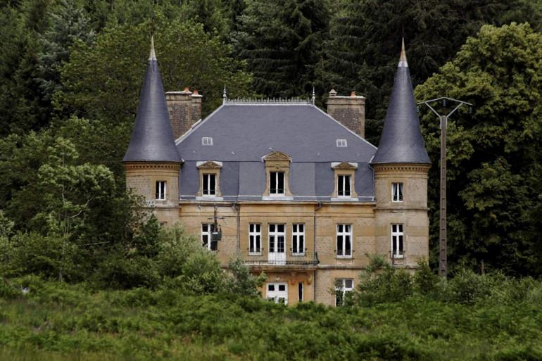 Le château de Sautou, dans les Ardennes, le 1er juillet 2004.