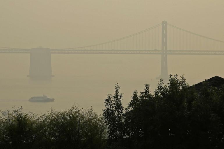 Le pont de San Francisco dans la pollution, le 19 novembre 2018