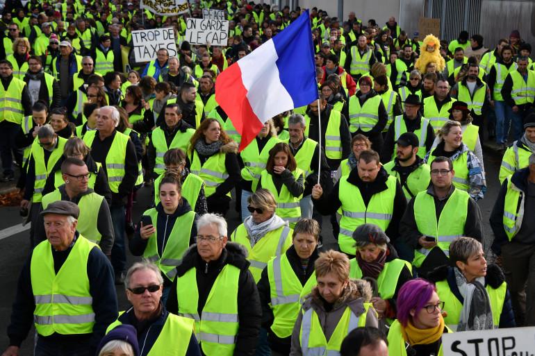 """Des """"gilets jaunes"""" à Rochefort, le 24 novembre 2018."""