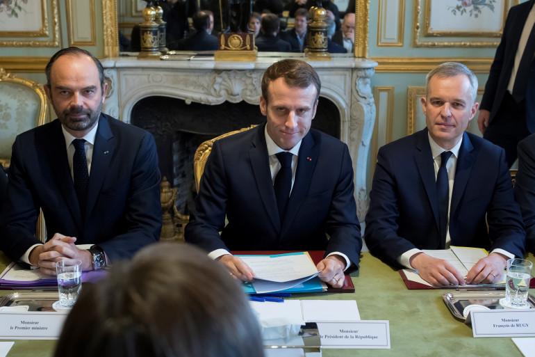 De gauche à droite : Édouard Philippe, Emmanuel Macron et François de Rugy