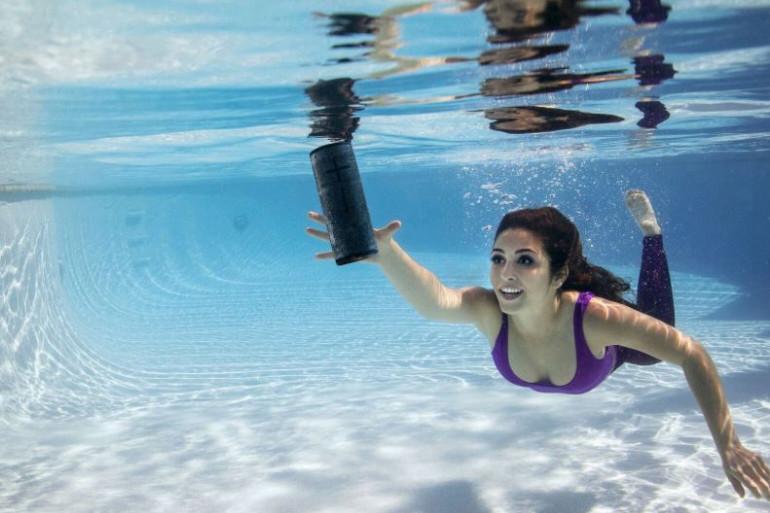 L'enceinte Ultimate Ears Boom 3 offre un son équilibré et une résistance à l'eau