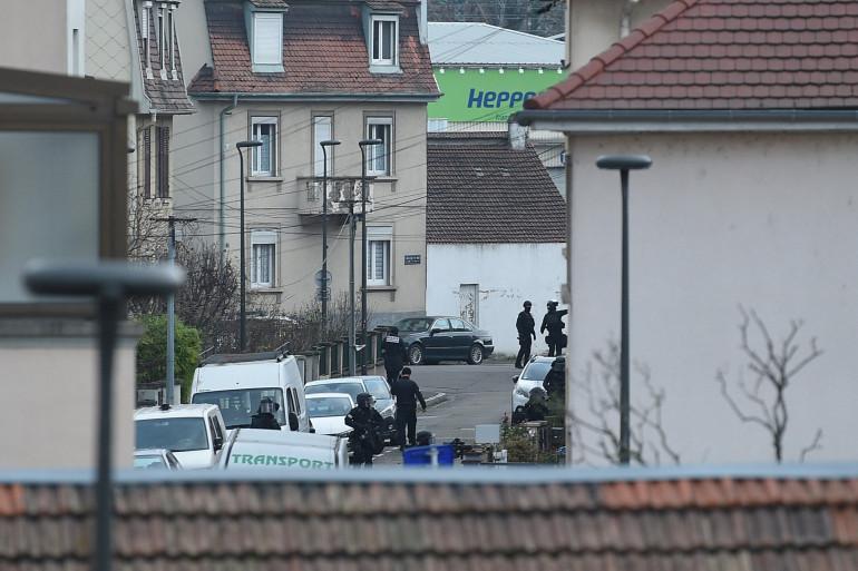 Des membres du Raid dans le quartier du Neudorf à Strasbourg le 13 décembre 2018