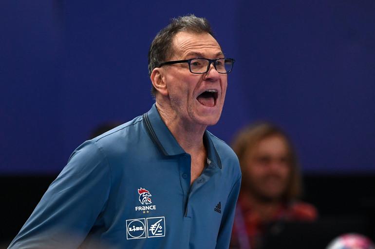 Olivier Krumbholz à Paris le 14 décembre 2018 lors de la demi-finale du Championnat d'Europe féminin de handball