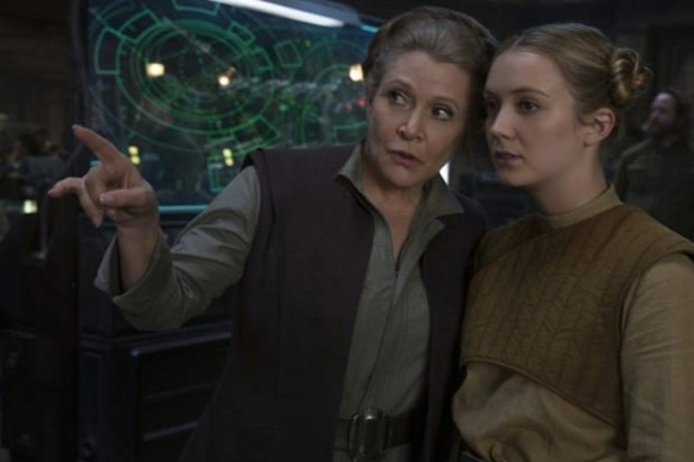 """Carrie Fisher et sa fille Billie Lourd dans """"Star Wars VII : Le Réveil de la Force"""""""