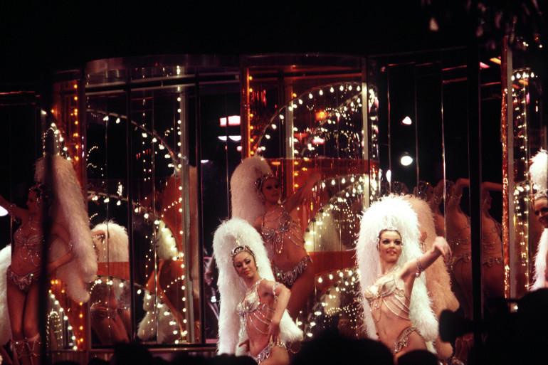 Les Bluebell Girls sur la scène du Lido dans les années 1970.