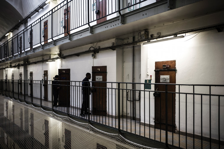 Des gardiens dans le centre pénitentiaire de Fresnes en octobre 2018