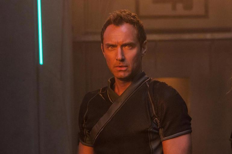 """Jude Law pourrait bien être en réalité le Kree Yon-Rogg dans """"Captain Marvel"""""""