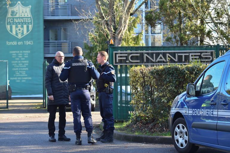 Des gendarmes devant le centre d'entraînement du FC Nantes le 22 janvier 2019