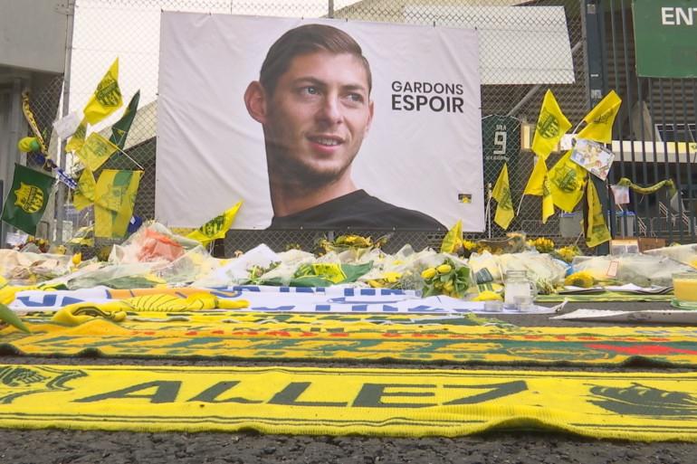 Les supporters nantais ont rendu hommage à Emiliano Sala