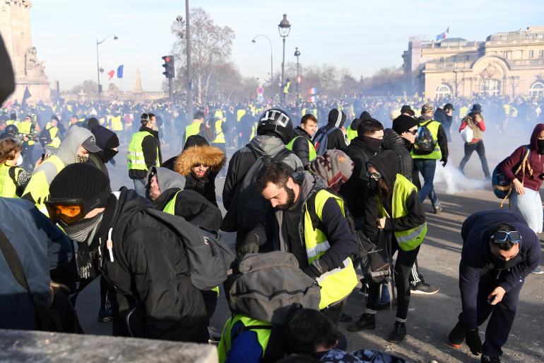 """Pour cet acte 14, les """"gilets jaunes"""" manifestent ce samedi 16 février à Paris"""