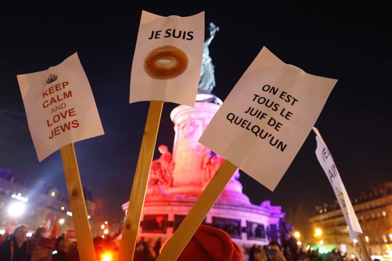 Une marche contre l'antisémitisme a été organisé à Paris, avec la présence de plusieurs représentants politiques, le 19 février 2019