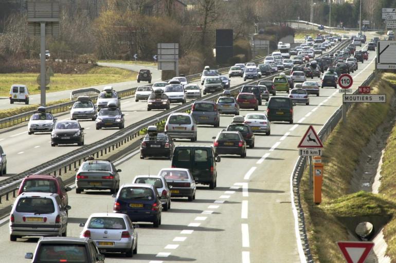 Des automobilistes sur la route nationale N90 (image d'illustration)