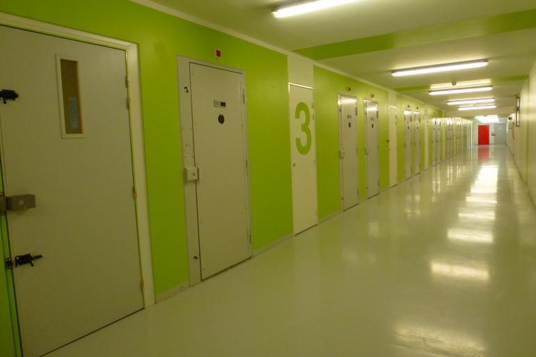 L'une des coursives de la prison de Condé-sur-Sarthe