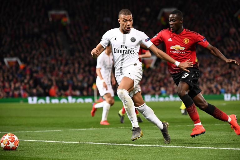 Kylian Mbappé à la lutte avec Éric Bailly le 12 février 2019 à Old Trafford