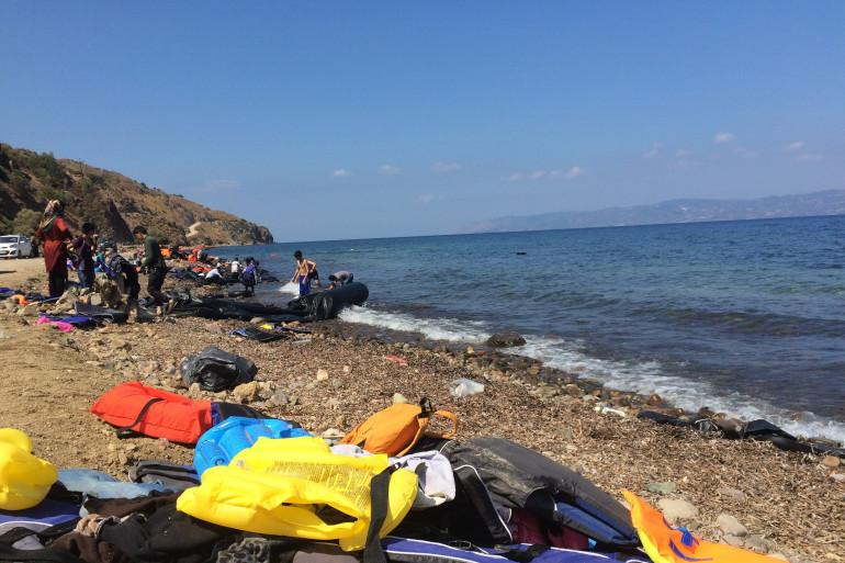 Des gilets de sauvetage abandonnés sur les plages au nord de Lesbos. (illustration)