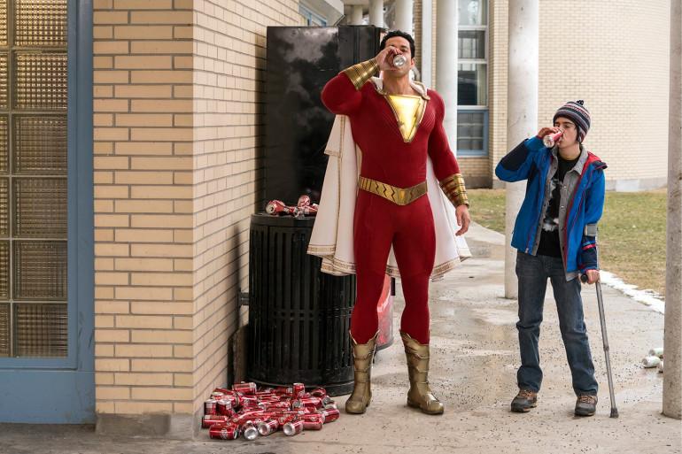 """Avec de bonnes intentions et un humour bienvenu chez DC, """"Shazam !"""" a du mal à convaincre"""