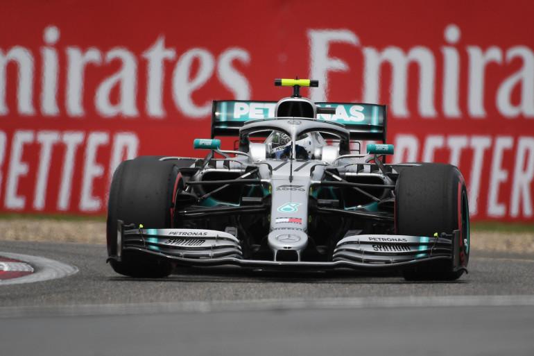 Valtteri Bottas, à bord de sa Mercedes, lors des qualifications du GP de Chine, le 13 avril 2019
