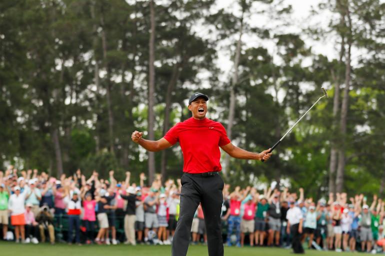 Tiger Woods célèbre sa victoire au Masters d'Augusta, le 14 avril 2019