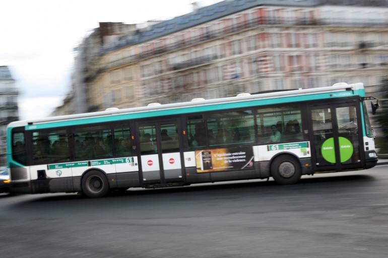 Un bus de la RATP, le 17 janvier 2010 à Paris.