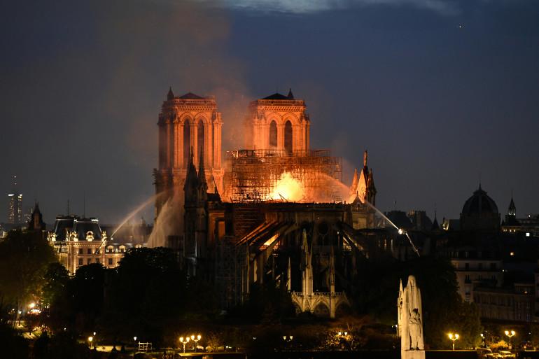 La cathédrale Notre-Dame de Paris est ravagée par les flammes, le 15 avril 2019