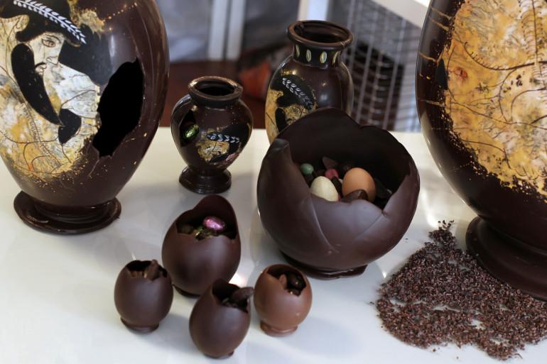 Des œufs de Pâques en chocolat, par le chocolatier français Colas, le 22 avril 2011 à Paris.