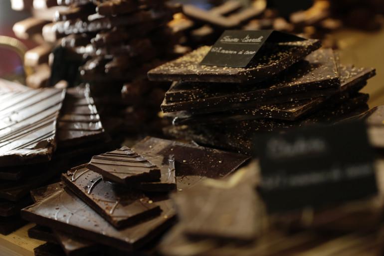 Des chocolats exposés lors du 23ème Salon du chocolat à Paris, le 31 octobre 2017.