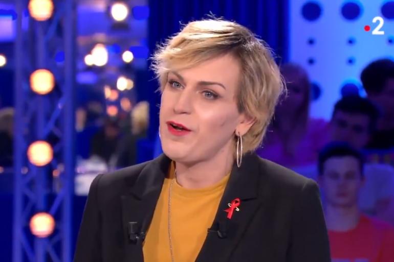 """Julia, femme transgenre agressée à Paris le 31 mars dernier, était l'invitée de Laurent Ruquier dans """"On n'est pas couché"""" le 6 avril 2019"""