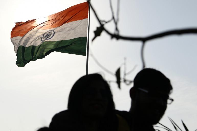 Mort par selfie : trois adolescents happés par le train en Inde
