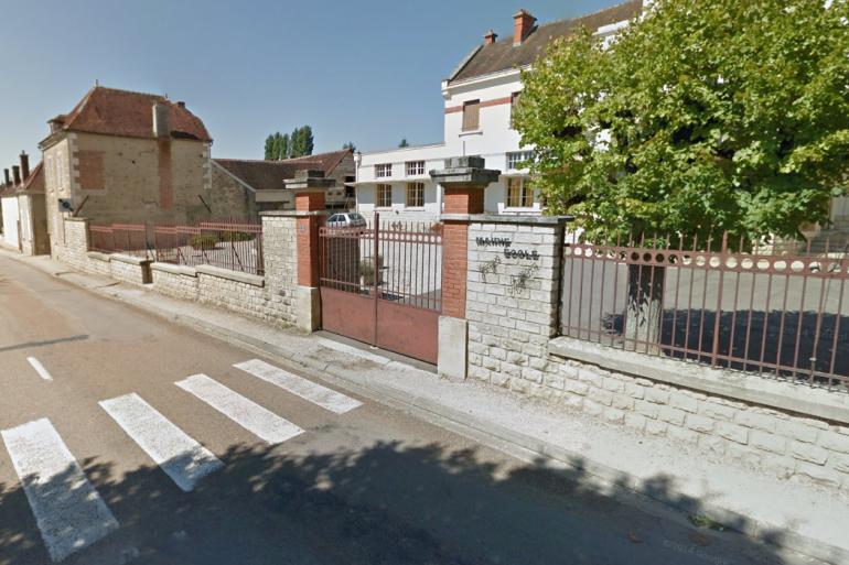 La mairie de Lignières (Aube)