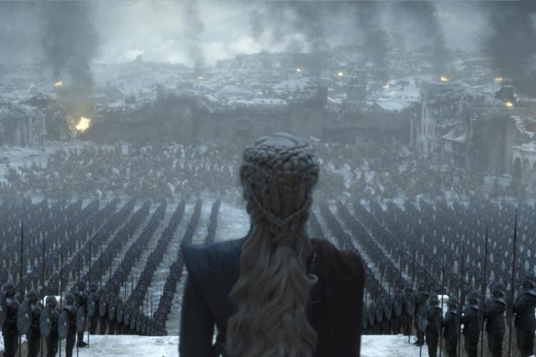 """Daenerys contemplant son armée dans le dernier épisode de """"Game of Thrones"""""""