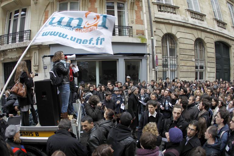Une manifestation organisée par le syndicat étudiant Unef, le 6 février 2010, à Paris