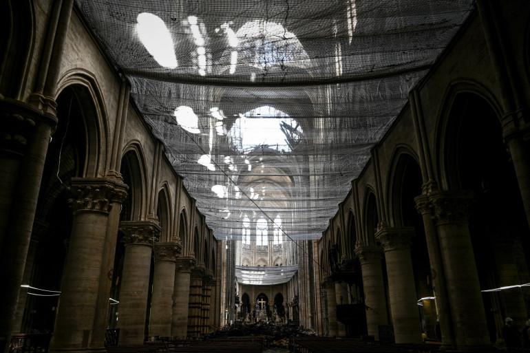 Vue de Notre-Dame de Paris depuis l'intérieur, le 15 mai 2019
