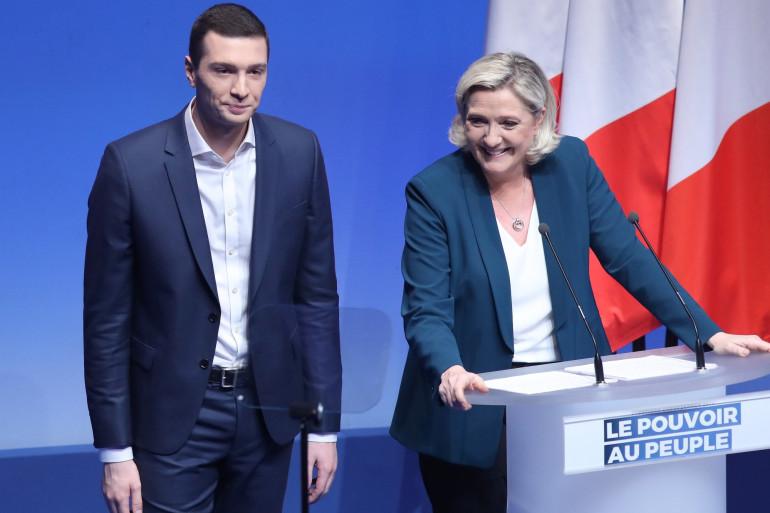 Jordan Bardella, tête de liste RN, avec Marine Le Pen, le 13 janvier 2019 à Paris