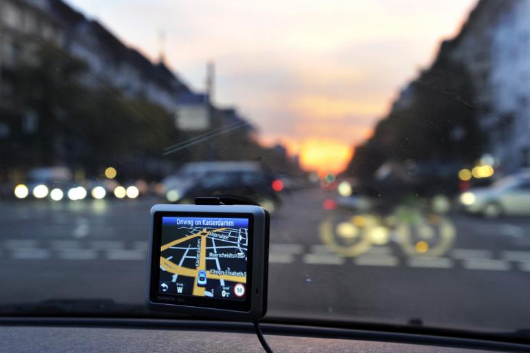 Un GPS dans une voiture (illustration)