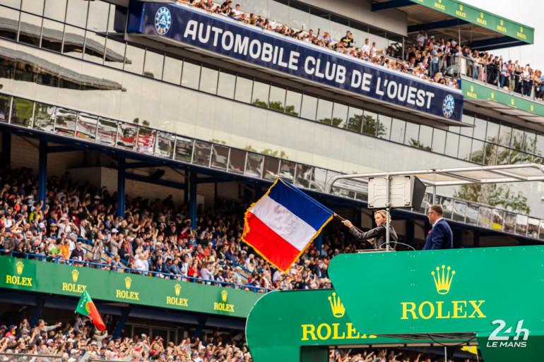 Charlène de Monaco donne le départ des 24 heures du Mans, le 15 juin 2019