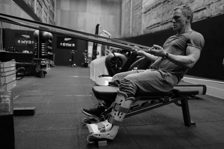 """Daniel Craig en plein entraînement pour le 25e """"James Bond"""""""