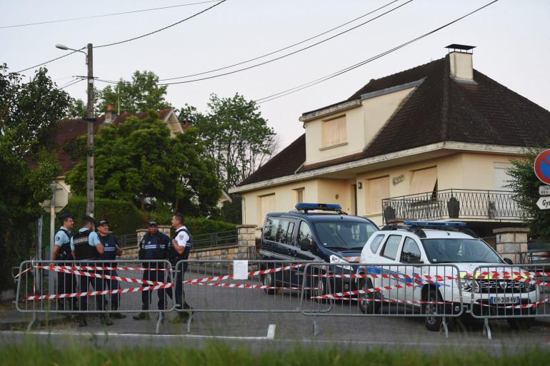 Le pavillon du couple Daval en Haute-Saône lors de la reconstitution du meurtre le 17 juin 2019