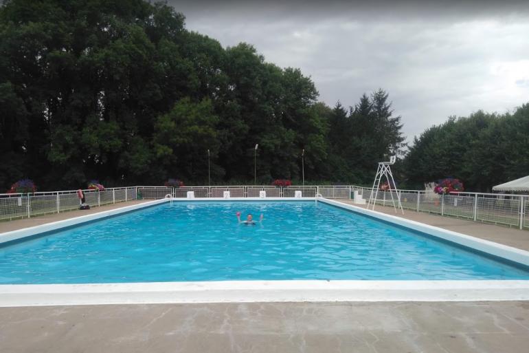 La piscine de Baugy dans le Cher