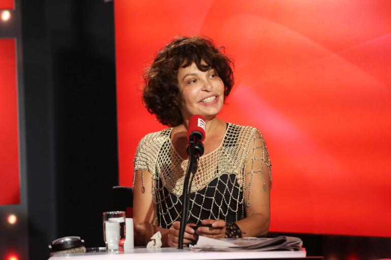 """Isabelle Mergault dans """"Les Grosses Têtes"""""""