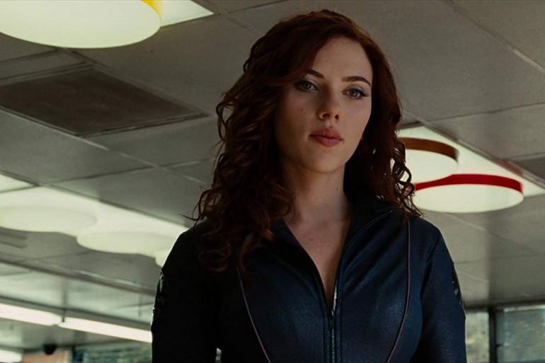 Scarlett Johansson dans le costume de la super-espionne Black Widow
