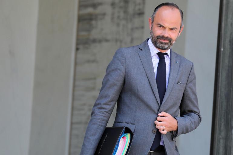 Le Premier ministre Édouard Philippe sort du Conseil des ministres (Paris) le 24 juillet