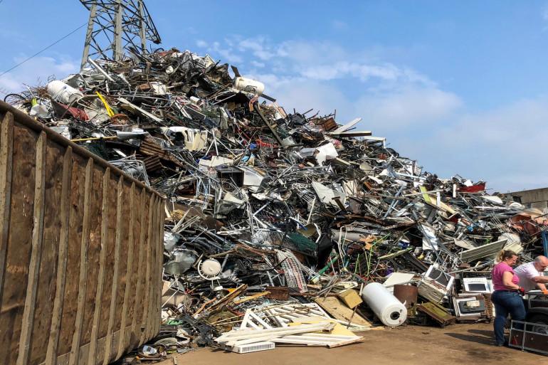 Une montagne de déchets (illustration)