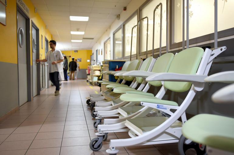 Le couloir d'un hôpital (illustration)