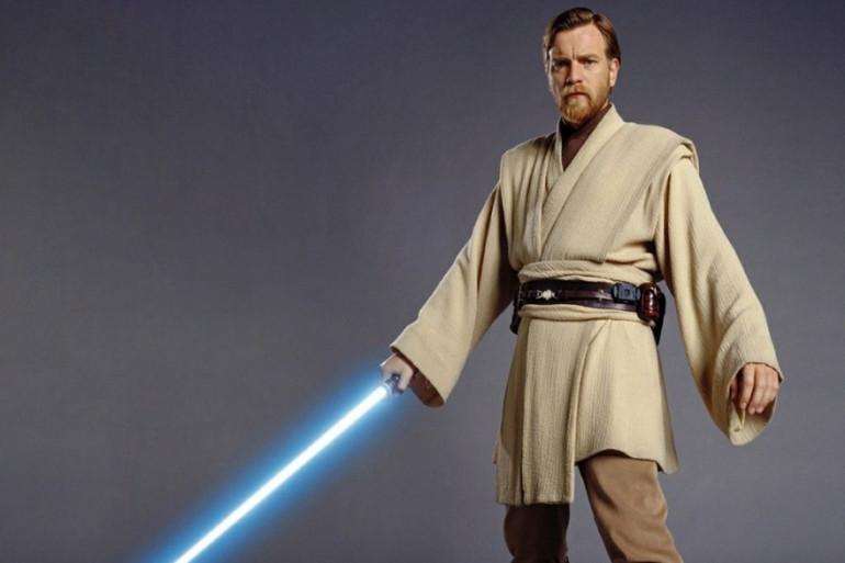 Obi-Wan Kenobi, le chevalier et maître jedi qui initie le jeune Anakin Skywalker à la Force.