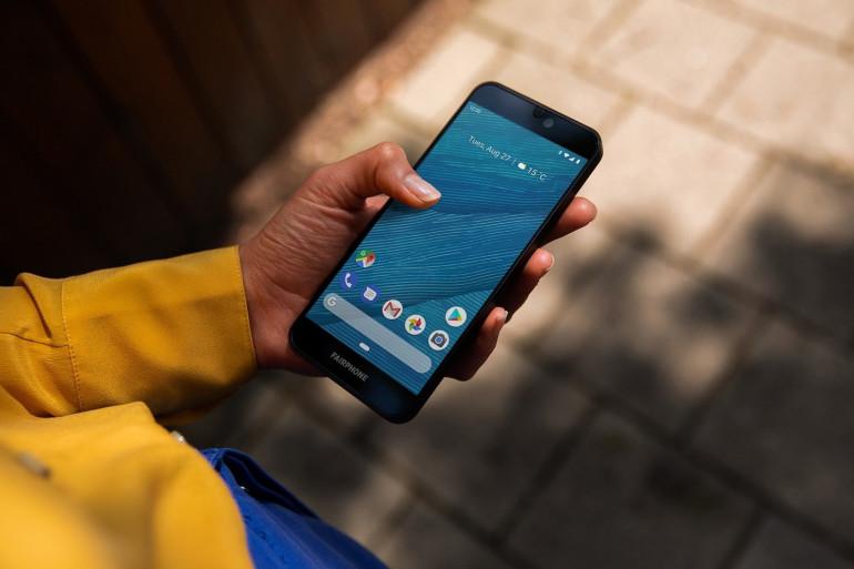 Conçu pour être facilement démonté avec un tournevis, le Fairphone hérite d'une bonne note à l'indice de réparabilité mais l'écart n'est pas très grand avec le dernier Samsung