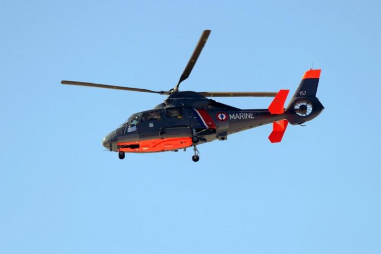 Un hélicoptère de la marine nationale à Anglet le 2 mai 2014. (archives)