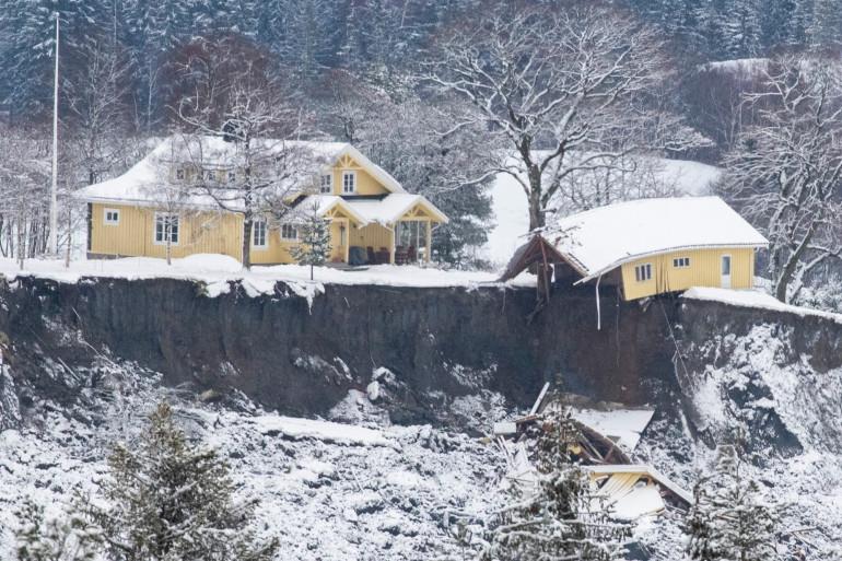 De nombreuses maisons se sont effondrées après un glissement de terrain à Gjerdrum, à 40km d'Oslo en Norvège