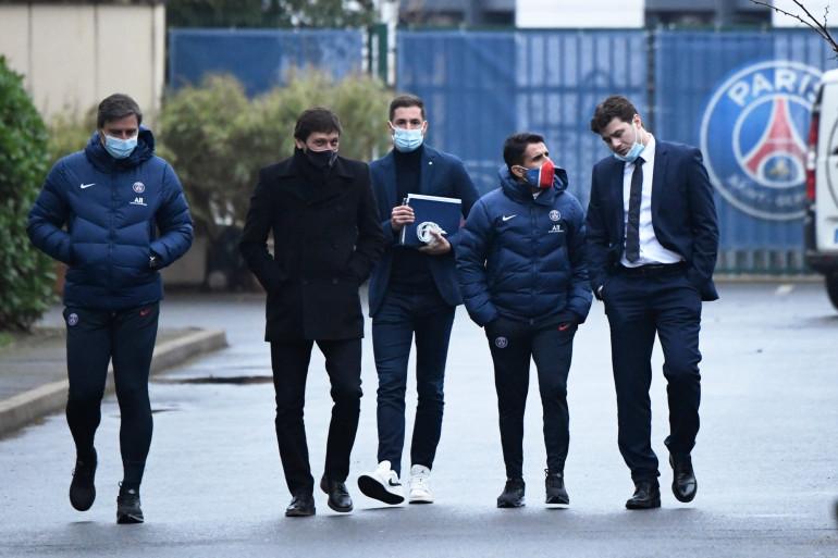 Leonardo et Mauricio Pochettino avec les adjoints de l'Argentin à Saint-Germain-en-Laye le 5 janvier 2021